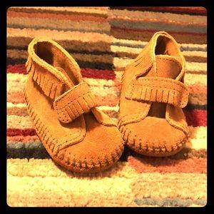 Minnetonka infant shoes